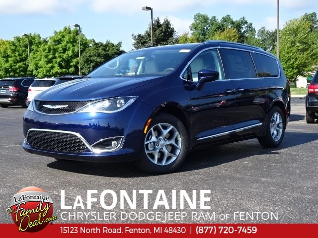 New 2019 Chrysler Pacifica Touring L Plus Penger Van In Lansing 19u0694 Lafontaine Dodge Jeep Ram Fiat Of